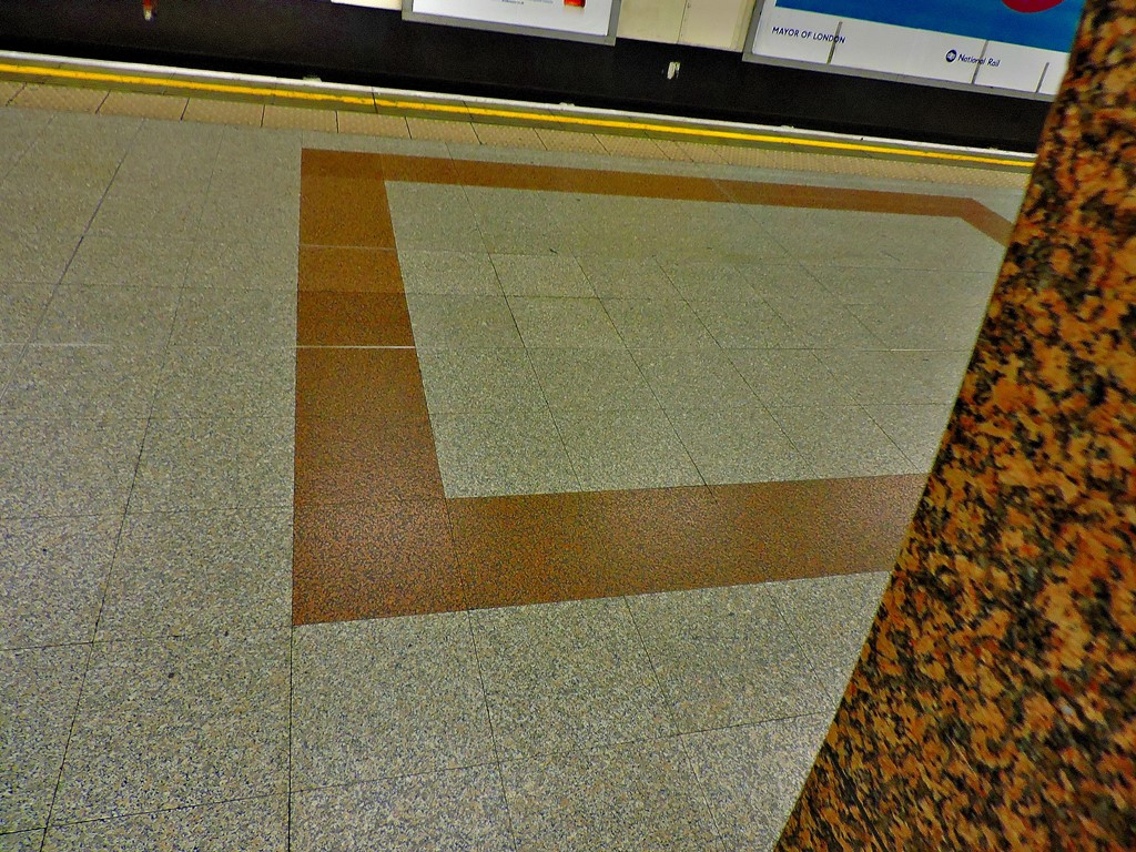 The southbound platform at Angel - exceptionally wide because in this space there used to be both sets of trracks either side of an island platform before the station was done up (Euston, Bank branch exhibits the same quirk for the same reason)